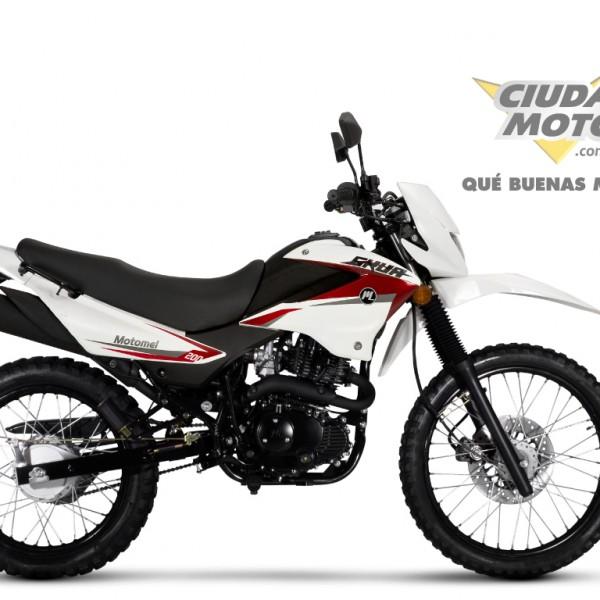 Skua200-New-blanca.roja-CM